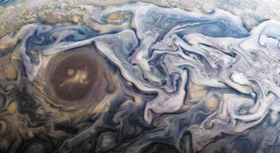 """""""朱诺号""""看见木星闪电现象 如""""精灵""""在跳舞"""