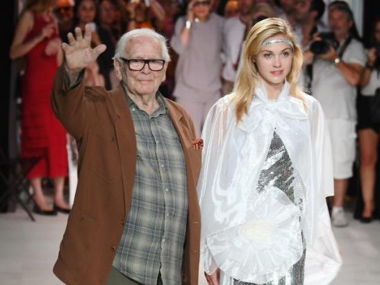 法国著名服装设计师皮尔·卡丹逝世 享年98岁