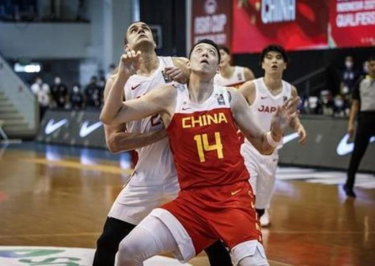 男篮亚洲杯预选赛老将周鹏拿到全队最高的16分